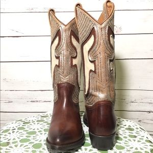 NWOB Frye Weathered Billy Underlay Pull On Boots